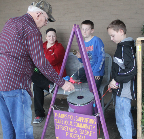 Scouts helping with Christmas baskets